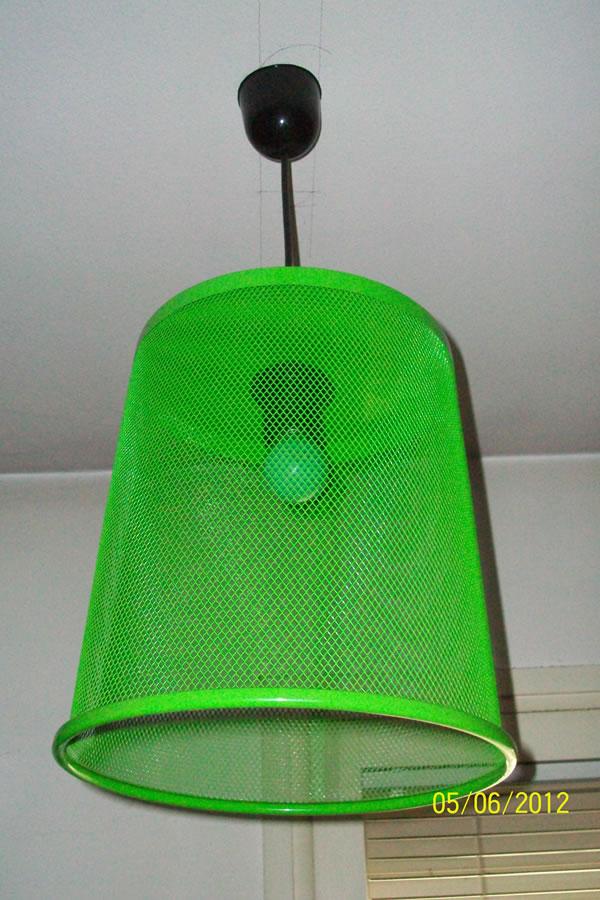 manualidades-enviadas-lampara-con-papelera-de-colores
